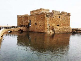Lâu đài Paphos đảo Síp