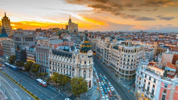 Chi phí du học Tây Ban Nha thế nào?